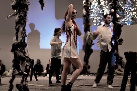 Natten, nuovo lavoro del coreografo svedese mårten spångberg, chiude il festival